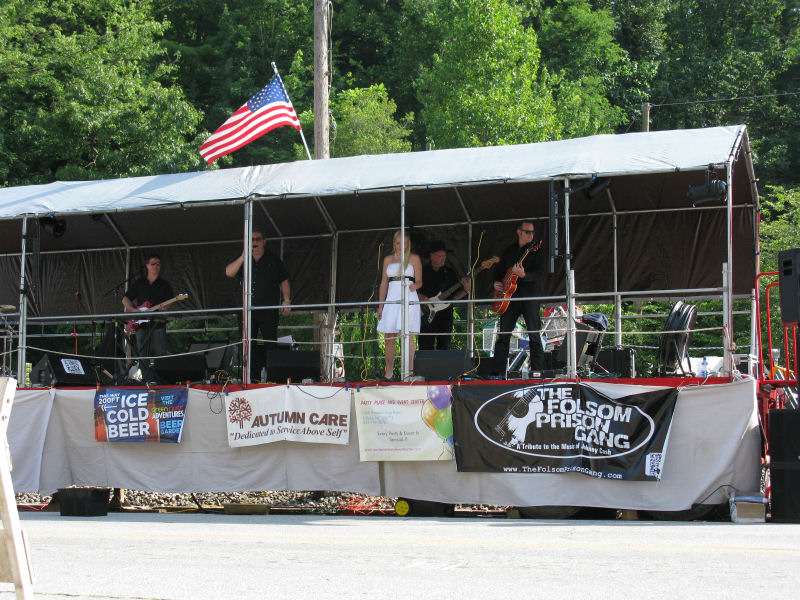 Full Band at Coon Dog Day 2012